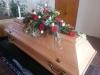 Bestattungsinstitut Rose Pappelsarg Rose mit Sargbuket