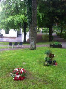 Baumbestattung Rose im Waldfriedhof Schongau