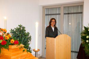 Trauerrednerin Ingrid Booch