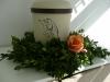 bestattungsinstitut-rose-urnen-blumenschmuck
