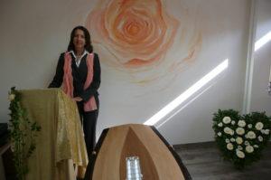 Bestattungsinstitut Rose Abschiedsrednerin Ingrid Booch