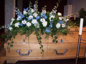 Bestattungsinstitut Rose Sarggesteck
